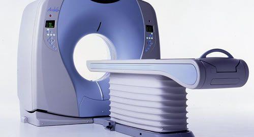 técnico-tomografia
